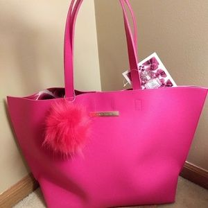 NWT..Vince Camuto tote